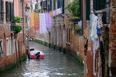 A photowalk in Venice :-) Check http://www.venicephototour.com/   #italy #venice #photograhy #discover #secret #hidden #photowalkvenice #magic #learn #workshop #photowalk #luxury #luxurytravel #marcosecchi #msecchiphotowalk #venicephotowalk #venicephotoworkshop #discovervenice #travel #travelphotography #streetphotography #marcosecchi #gondola #ad #sponsored