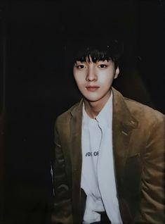 Woollim Entertainment, Just For Fun, Boy Groups, Ulzzang, Artist, Resume Cv, Produce 101, Polaroids, Kpop Boy