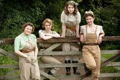 Uk Serie- THE LANDGIRLS Many of the Land Girls left their homes to work the land and feed the nation during wartime shortages and rationing. Google Image Result for http://www.bbc.co.uk/blogs/tv/100706_landgirls_600.jpg