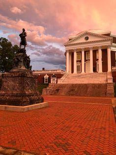 University Of Virginia, Louvre, Mansions, House Styles, Building, Travel, Home Decor, Viajes, Decoration Home