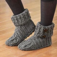 Crochet Tweed Slippers - *Inspiration* I don't like the toe on these but do like the button cuff, keep for later.