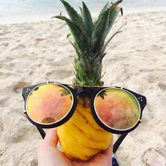 Hi from Mauritius ☀️😎🎄#hi #hello #czesc #mauritius #maurice #vacation #pineapple #fit #healthy #fresh #sunshine #beachlife #holiday #potd #lotd 😅😅😅