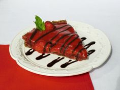 chocolate and strawberry sauce recipes Raw Chocolate, Decadent Chocolate, Delicious Chocolate, Chocolate Recipes, Chocolate Dreams, Raw Food Recipes, Dessert Recipes, Sauce Recipes, Free Recipes