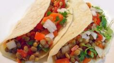 lentil & sweet pepper tacos.. this site has soooo many cheap and healthy recipies!