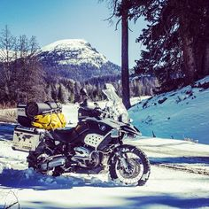 Fording the snow on the R1200GS #adventurebike #dualsport #advrider #motorcycle #r1200gs