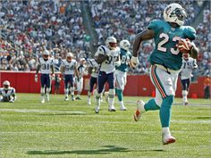 """Dolphins debut the """"Wildcat"""" offense against the Patriots"""