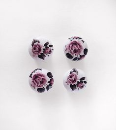 Wooden Door Knobs. Shabby Chic Pull Knobs. Set of 4 by MewAndMew