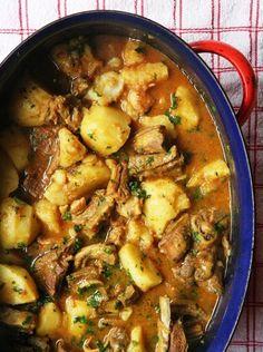 Lamskerrie uit 'n Karoo Kombuis – van een huiskok aan 'n ander Tripe Recipes, Braai Recipes, Lamb Recipes, Curry Recipes, Meat Recipes, Indian Food Recipes, Vegetarian Recipes, Dinner Recipes, Cooking Recipes