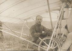 Santos Dumont Demoiselle Early Aviation Old Photo 1909 wem
