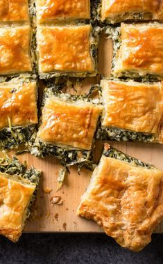 Spinach Pie for a Crowd: When planning a meal for a large group of friends and f. Spinach Pie for a Crowd: When planning a meal for a large group of friends and family, it doesn't always have to be Cooking For A Crowd, Food For A Crowd, Brunch Recipes, Appetizer Recipes, Puff Pastry Recipes, Puff Pastries, Pastries Recipes, Spinach Pie, Spinach Puff Pastry
