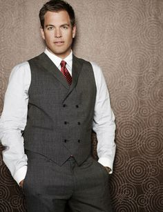 Michael Weatherly-my main reason for watching NCIS! Michael Weatherly, Lauren Holly, Mark Harmon, Sharp Dressed Man, Well Dressed, Gorgeous Men, Beautiful People, Beautiful Things, Anthony Dinozzo