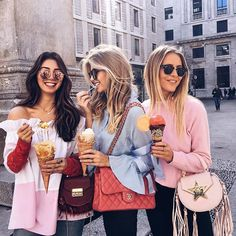 happy ice cream gals during #MFW  // it was so nice to have @jannid in our blogger squad ❤️