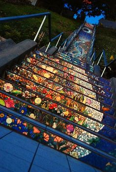 Something quite interesting...The 16th Avenue Tiled Steps Project in San Francisco, by Irish ceramist Aileen Barr and mosaic artist Colette Crutche.
