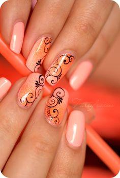 Nail art spirales fluo Plus Beautiful Nail Designs, Cute Nail Designs, Beautiful Nail Art, Great Nails, Fabulous Nails, Love Nails, Nail Art Arabesque, Rose Nail Art, Orange Nails