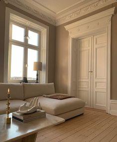 """Louise Hjorth Design on Instagram: """"Måste ju bara dela denna bilden som är Magi🌙🌟 Ljuset 🙌🏽 Fotade lite här hemma igår, ni ska få se hur mörka bilderna blir 😅 Blir lite…"""" Dream Home Design, Home Interior Design, House Design, Interior Concept, Design Room, Interior Modern, Dream Apartment, Parisian Apartment, Parisian Bedroom"""