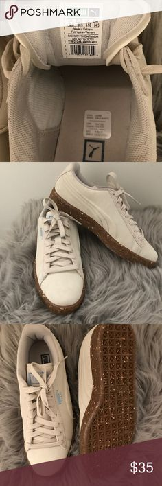 Men's/Women's Puma Sneakers Speckled bottom cream colored puma sneakers. New, never been worn but no box or tags. Size 5.5 men's and 7.5 women's. Puma Shoes Sneakers