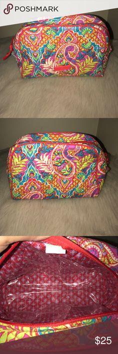 Vera Bradley Vera Bradley Cosmetic bag. Used - in good condition. Vera Bradley Bags Cosmetic Bags & Cases