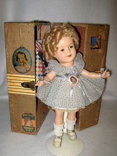 """DARLING SHIRLEY TEMPLE 13"""" DOLL W/ TRUNK & EXTRA TAGGED OUTFITS - CLEAR EYES"""
