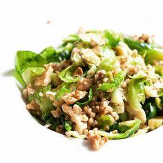 Buchweizenrisotto mit Rosenkohl Buckwheatrisotto with Brussels sprouts.  Heute im Blog wp.me/p34G9-aeu  #gekocht #gegessen #walnuts #buchweizen #rosenkohlliebe #brusselssprouts #buckwheat