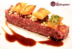 Receta versionada del chef Joan Roca y Su video Steak Recipes, Gourmet Recipes, Chefs, Food Dishes, Main Dishes, Steak Tartare, Cream Cheese Recipes, Finger Food Appetizers, Food Decoration