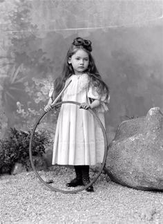 vintage everyday: That's Why They Called Them Angels – 48 Gorgeous Portrait Photos of Edwardian Little Girls