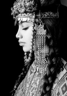 Traditional Armenian headdress
