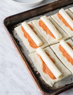 Cheesy Pepperoni Pizza Sticks