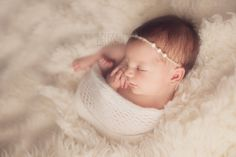 newborn photography mentoring, wrapped up baby