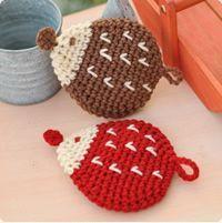 Crochet hedgehog scrubbing brush, in Japanese Crochet Kitchen, Crochet Home, Love Crochet, Crochet Gifts, Crochet Motif, Beautiful Crochet, Knit Crochet, Crochet Patterns, Crochet Hedgehog