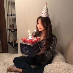 Birthday Icon, Korean Birthday, Happy Birthday Me, Ulzzang Korean Girl, Cute Korean Girl, Asian Girl, Bday Girl, Uzzlang Girl, Birthday Girl Pictures