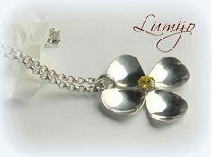 Omaa designia, itse valmistamani riipus hopeasta. My own design, handmade silverpendant.