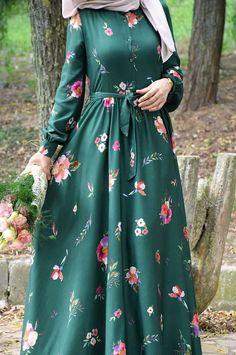 Modern Hijab Fashion, Muslim Women Fashion, Islamic Fashion, Abaya Fashion, Fashion Dresses, Mode Abaya, Mode Hijab, Hijab Evening Dress, Hijab Style Dress