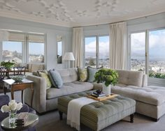 Image from http://www.lauracaseyinteriors.com/blog/wp-content/uploads/2012/06/sectional-2.jpg.