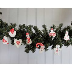 How cute are these, my kids will love them on the tree this year that I let them decorate, you let the kids decorate the tree, Jackie xxx