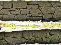 #retainingwall #stonemakers #fauxrock #walldesign