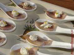 Gerookte paling met mierikswortelroom.