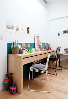 study area in girl's bedroom