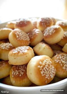 Mama zna šta je dobro ~ Recepti i Ideje Greek Pastries, Bread And Pastries, Brze Torte, Kiflice Recipe, Baking Recipes, Dessert Recipes, Macedonian Food, Homemade Dinner Rolls, Greek Dishes