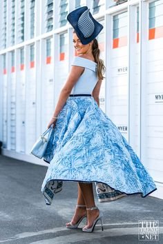What a show stopper! We love this flowy blue outfit!
