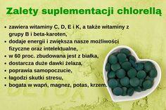 Chlorella to mała alga, w której kryje się ogromna moc witamin i minerałów. Swój zielony kolor zawdzięcza chlorofilowi, którego ma najwięcej spośród wszystkich roślin na świecie. W środowisku wodnym przetrwała dwa i pół miliarda lat. Na terenie Azji jest najczęściej stosowanym suplementem diety. Europejczycy powoli odkrywają chlorellę, której suplementacja poprawia stan naszego zdrowia i skóry, a do tego wspomaga odchudzanie oraz dodaje energii. Beans, Vegetables, Food, Seaweed, Diet, Essen, Vegetable Recipes, Meals, Yemek