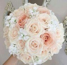 Buquê de rosas em tons nude