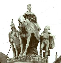 Bratislava, Alexandria, Geo, Arch, Lion Sculpture, Statue, Photography, Pictures, Longbow
