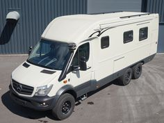 21 Best Conversion Ideas For Cozy Vehicle Alternative For Holiday 2019 – Smart Home and Camper Mercedes Sprinter Camper, Sprinter Van, Motorhome Conversions, Camper Conversion, Off Road Camper, Truck Camper, Iveco Daily 4x4, Defender Camper, Mercedes Van