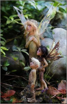 ≍ Nature's Fairy Nymphs ≍ magical elves, sprites, pixies and winged woodland faeries - Woodland Creatures, Magical Creatures, Fantasy Creatures, Elfen Fantasy, Fantasy Art, Fairy Dust, Fairy Land, Art Magique, Dragons