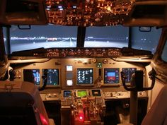 One man's 20-year project: a flight sim cockpit made from a Boeing 737