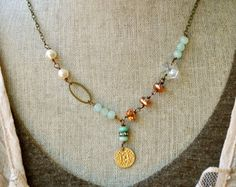 Mia. Peruvian opal pendant necklace. di tiedupmemories su Etsy