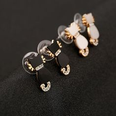 Cute Cat Earring Studs Clear Flat Pack Couple Fashion Earrings - Buy Latest Fashion Earrings,Cat Animal Earrings,Double Cats Earrings Product on http://Alibaba.com