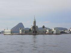 Ilha Fiscal. Março 2016. Foto de Carolina Belo. #baiadeguanabara #labhidroufrj #ufrj #riodejaneiro #errejota #barco #ilha #ilhafiscal #paodeacucar #sugarloaf