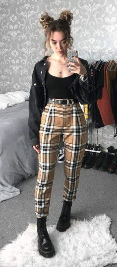 81 Cool and Edgy Outfits for Going Out for Inspiration W. - 81 Cool and Edgy Outfits for Going Out for Inspiration Women Fashion Source by - Street Style Outfits, Indie Outfits, Boho Outfits, Spring Outfits, Girl Outfits, Cochella Outfits, Hipster Outfits, Outfit Summer, Soft Grunge Outfits