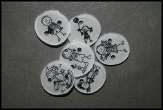 Ils ont une bonne bouille ces boutons en plastique dingue ! 3d Printer, Decorative Plates, Personalized Items, Printers, Recherche Google, Cnc, Silhouette, Technology, I Don't Care